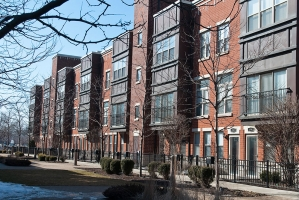 <h5>2504 S Calumet Ave, Chicago, 26 units</h5>