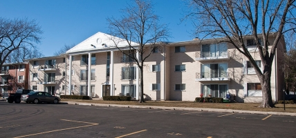 <h5>10118 Old Orchard Court, Skokie, 72 units </h5>